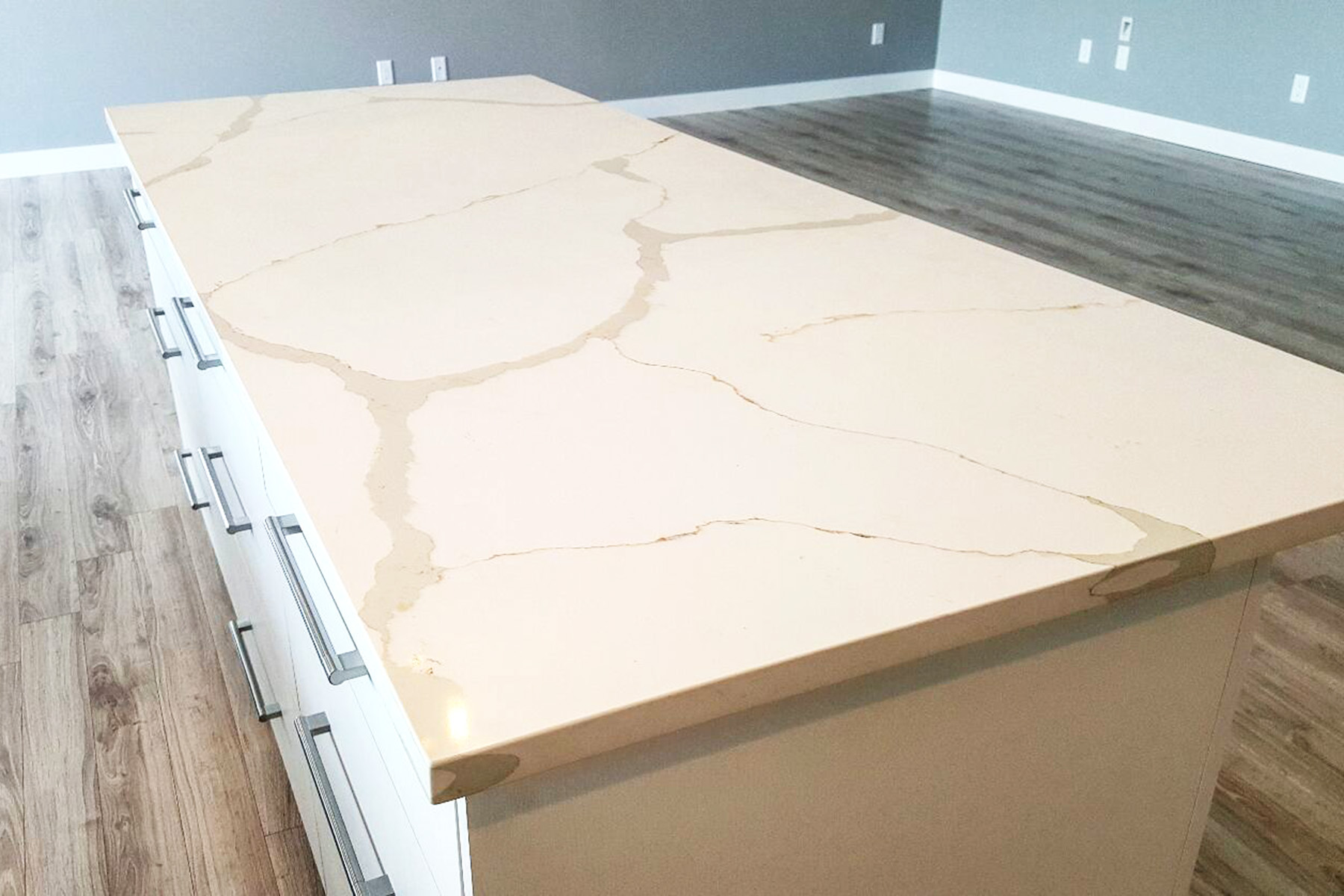 Quartz vs Granite Kitchen Countertops