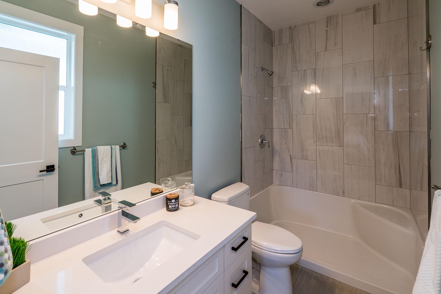 Bathroom - Vista2 002