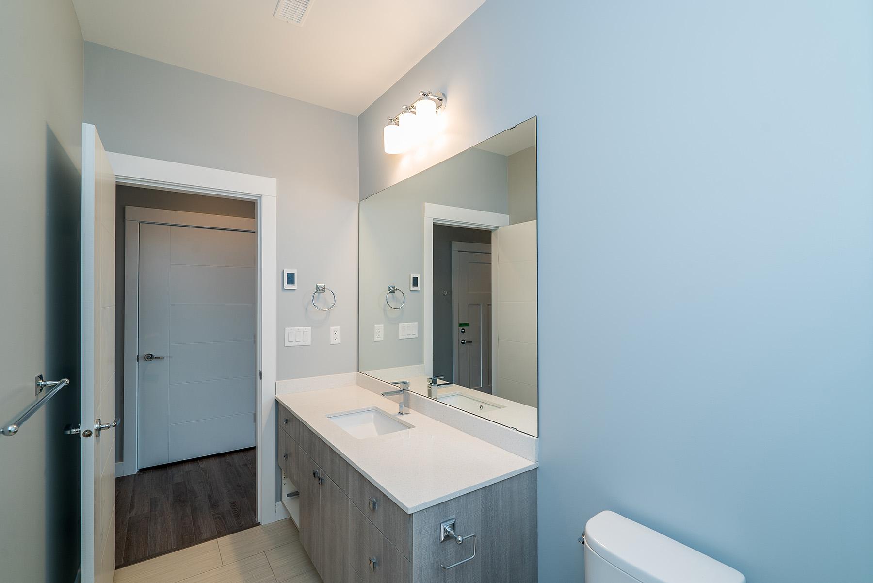 Bathroom - Vista2917 006